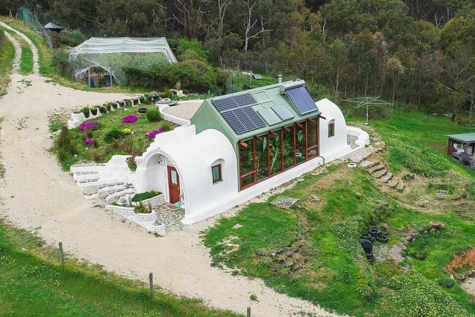 Living Big In A Tiny House Incredible Small Off Grid Earthship Home