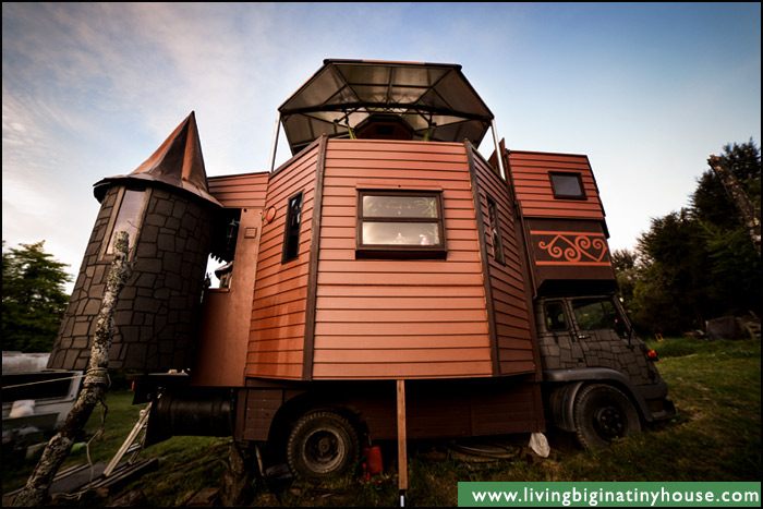 Castle Truck Fold Out Kitchen