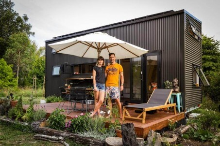 This Modern Tiny House Is An Off-The-Grid Dream