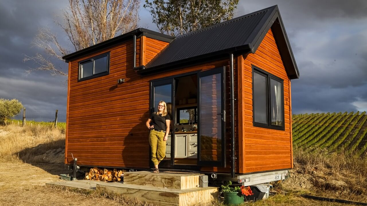 Young Doctor's Idyllic Tiny House In Vineyard